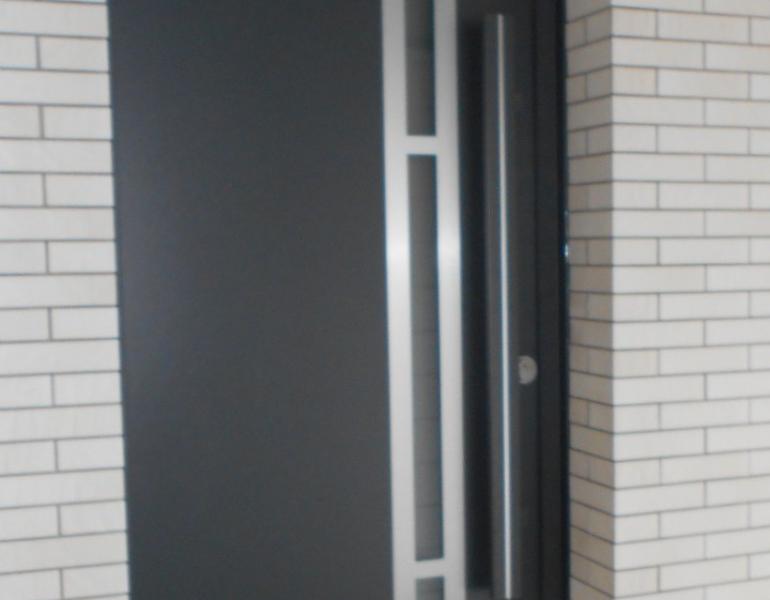 Pose Porte entrée aluminium - k LINE - Boulogne sur mer