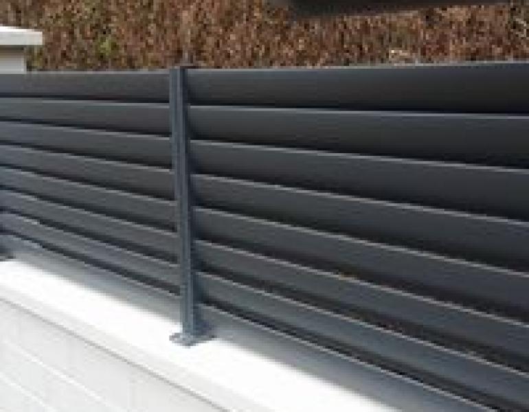 portail coulissant et cloture en aluminium