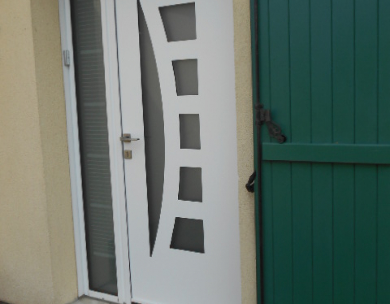 Pose porte d entr e k line et porte sectionnelle harol for Fourniture et pose porte de garage
