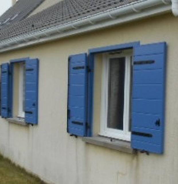 volet battant isolant bleu SIB Boulogne sur mer