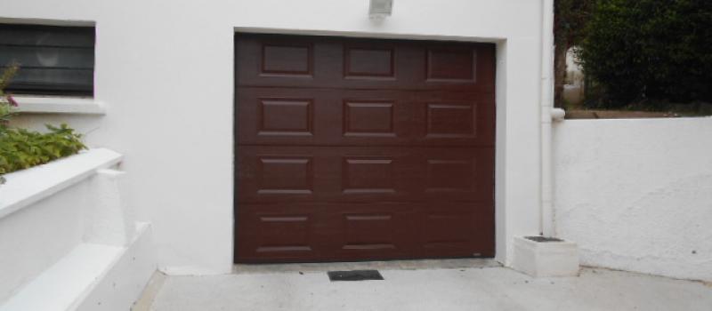 Porte de garage sectionnelle a cassettes fermetures louasse for Porte de garage boulogne sur mer