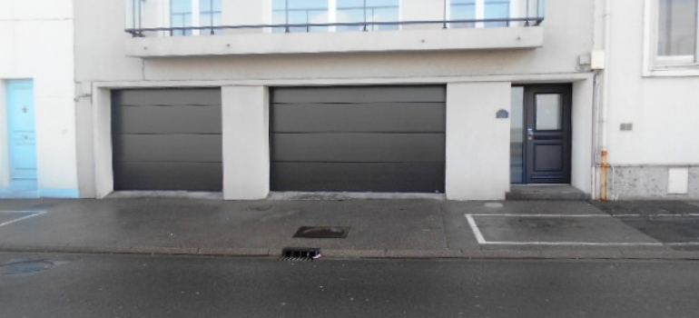 porte de garage sectionnelle et porte d 39 entree boulogne sur mer fermetures louasse. Black Bedroom Furniture Sets. Home Design Ideas