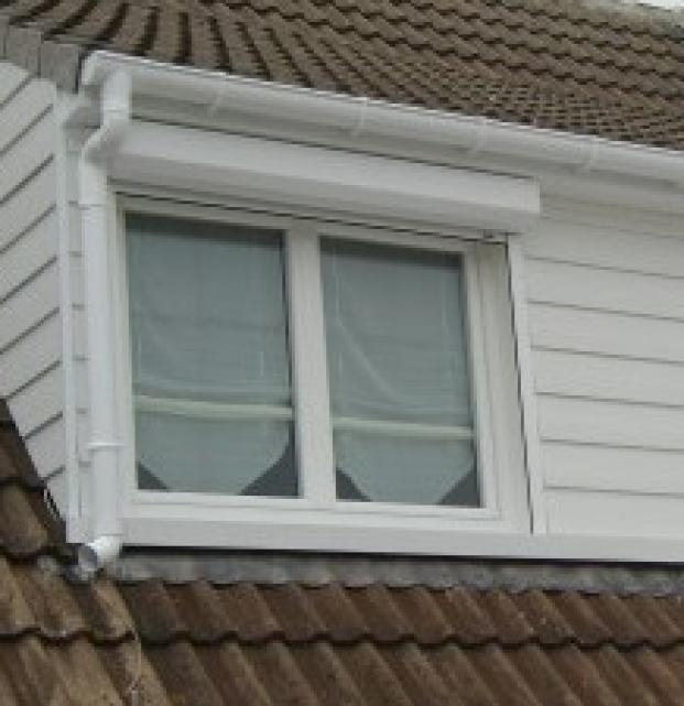 fenêtres PVC blanc 2 ouvrants REHAU